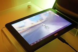 Acer Iconia Tab A700 presentato ufficialmente al CES 2012   acer iconia tab a700 frontale 300x200