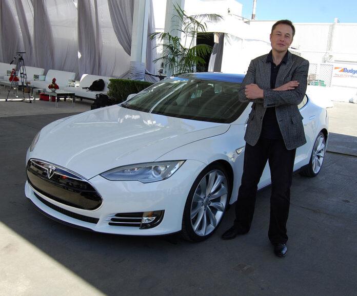 Elon Musk, Tesla, Roadster, razzo