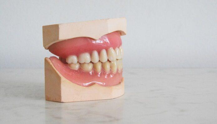 covid-19-igiene-orale-effetto-sintomi