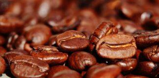 dormire bene caffeina sonno