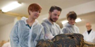 mummia Varsavia donna incinta